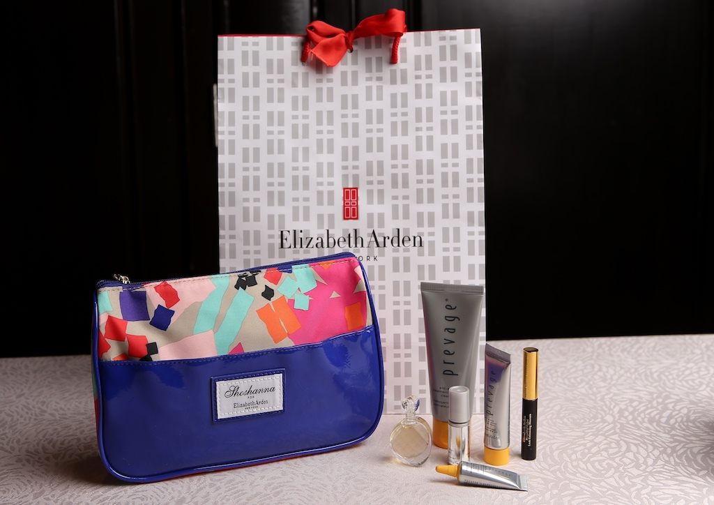 Expect special gifts from Elizabeth Arden for moms and children in twinning outfits