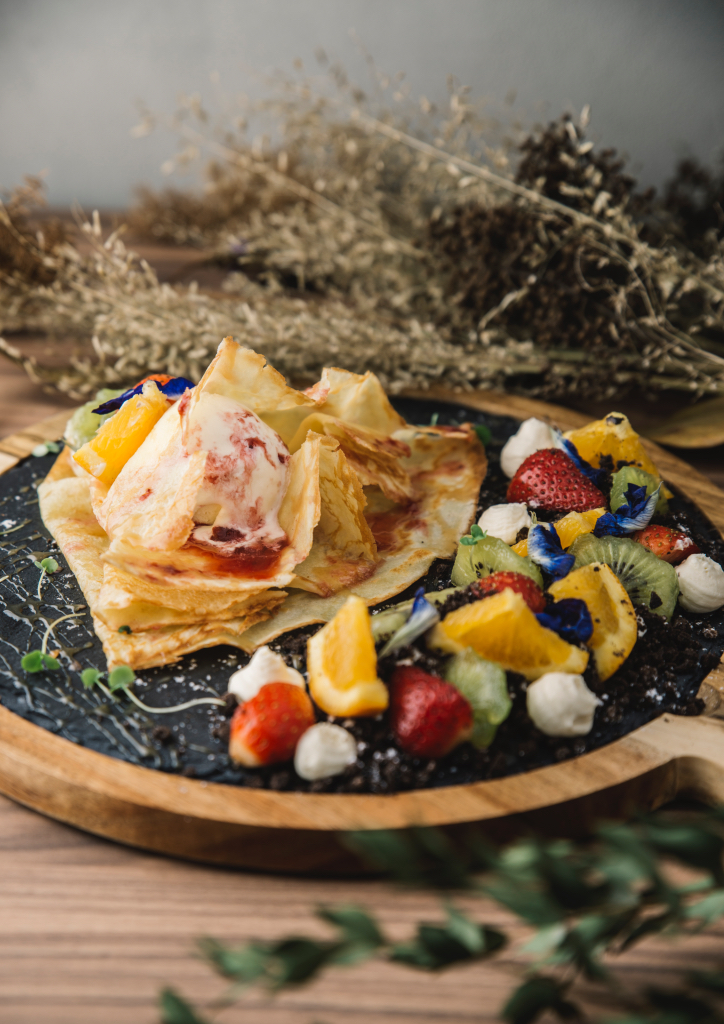 Garden Crepe (Photograph by Ron Mendoza)